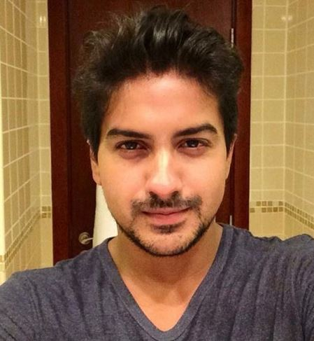 Photo of Pushkar Jog Biography, Wiki, Girlfriend, Age And Career Details
