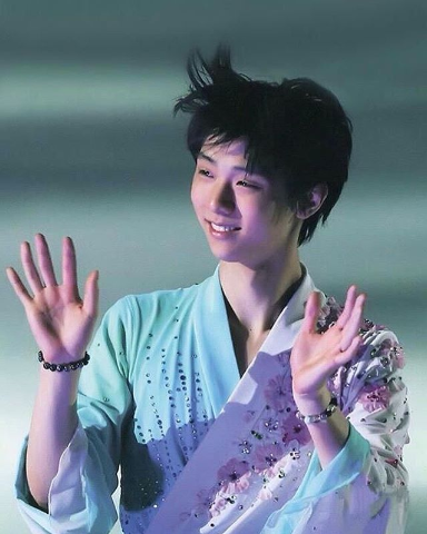Photo of Yuzuru Hanyu Biography, Age, Height & Career Details